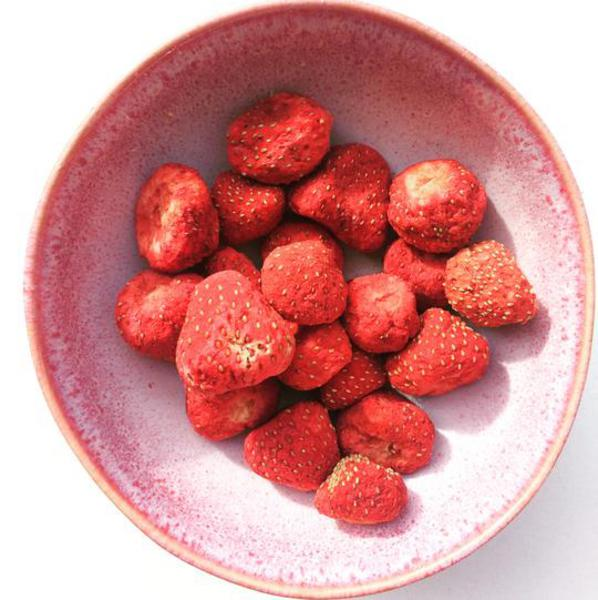 Freeze Dried Strawberry Snack Vegan image 2